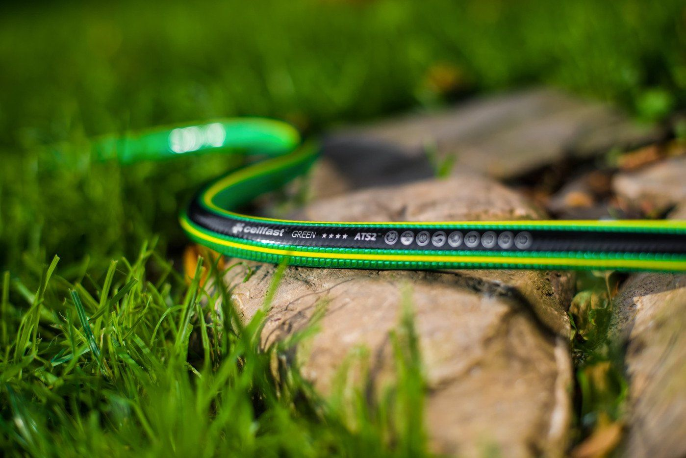O tym należy pamiętać, wybierając wąż ogrodowy
